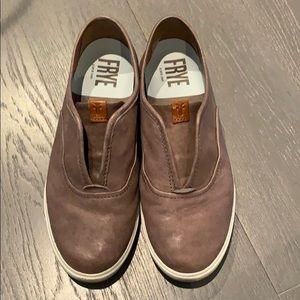 women's size 8 Frye Slip-On sneaker